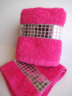 5 Things All Girly Girls Should Have in their Bathroom